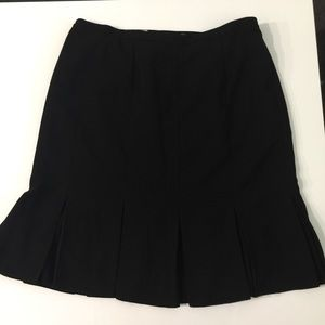 Black skirt with liner